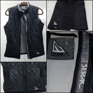 SERAC Black Quilted Vest with Zippered Pockets L